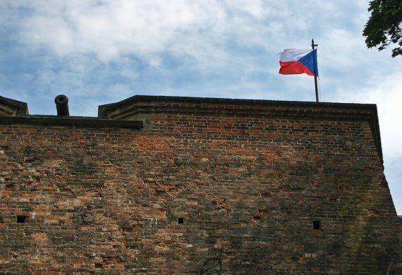 Чехия тоже считает опасным использование продукции ZTE и Huawei