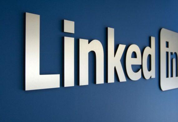 Ошибка LinkedIn позволила создать вакансию директора Google