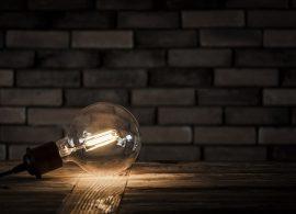 Найден способ подслушивать через лампочки